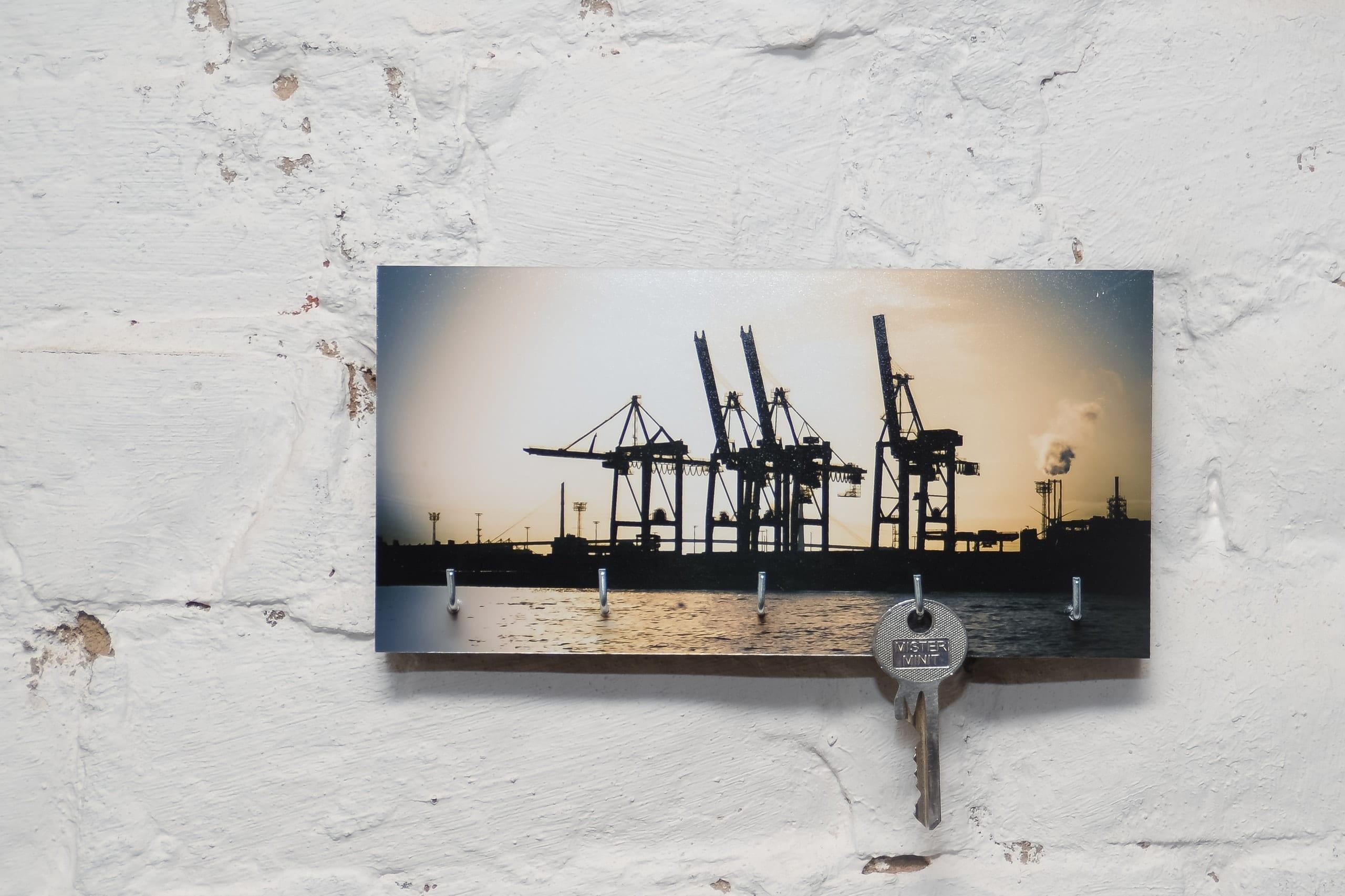 kila photography   schlüsselbrett auf holz – hafen