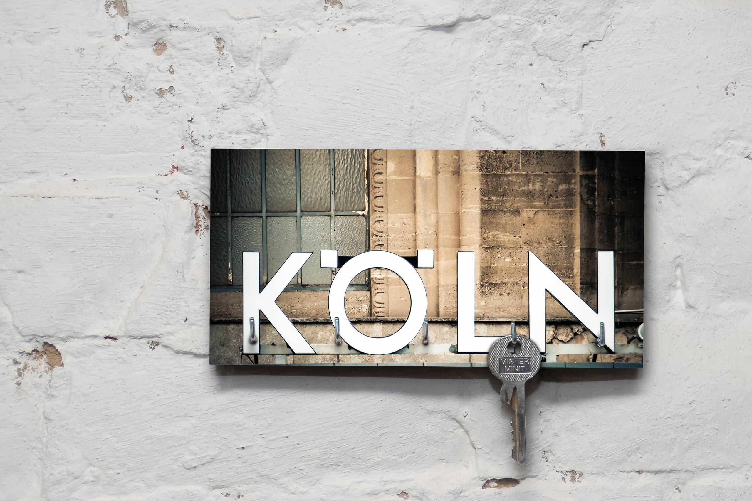 kila photography   schlüsselbrett auf holz – köln
