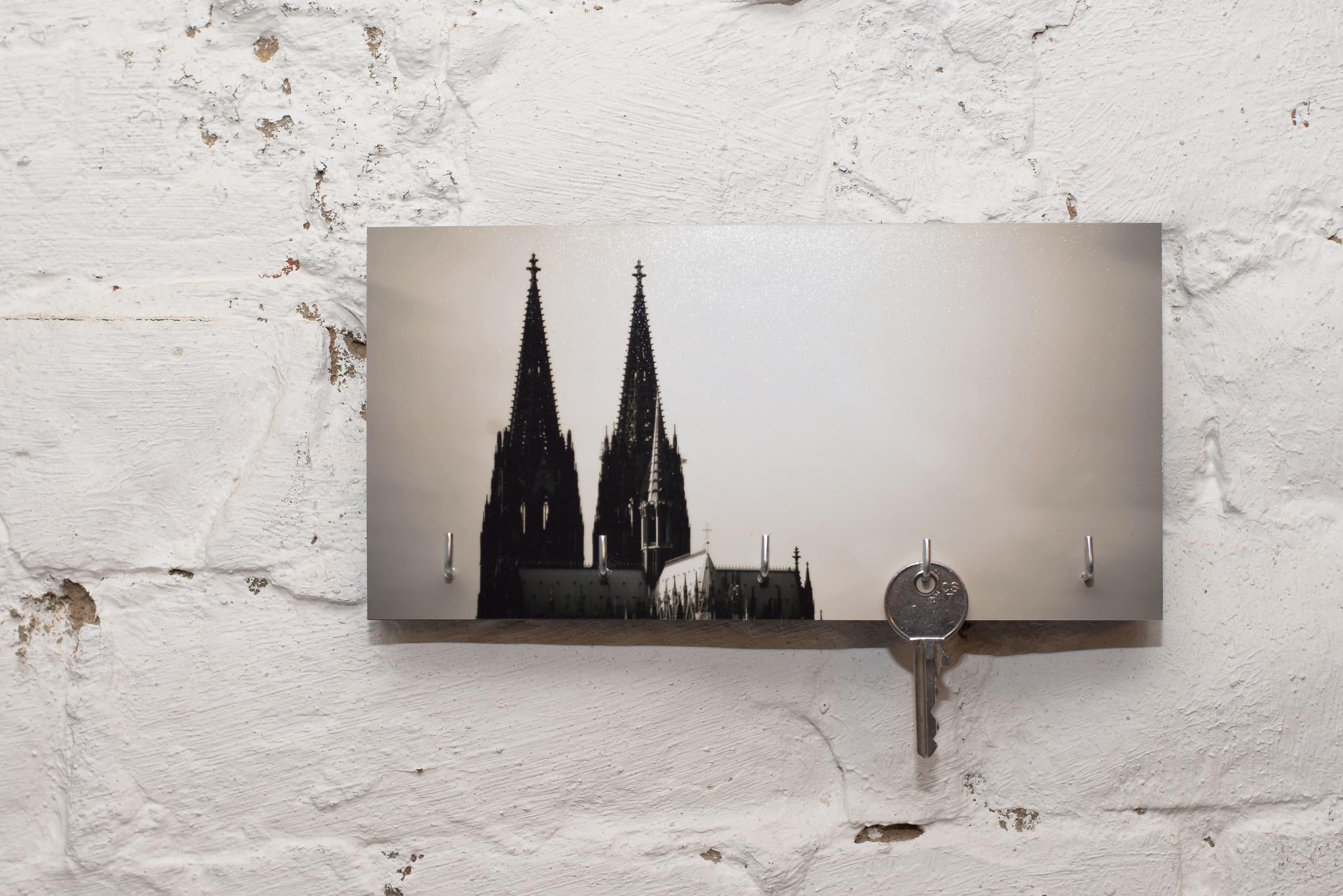 kila photography   schlüsselbrett auf holz – kölner dom